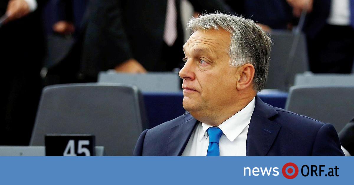 """Orban in Straßburg: EU-Bericht verletzt """"Ehre der Ungarn"""""""