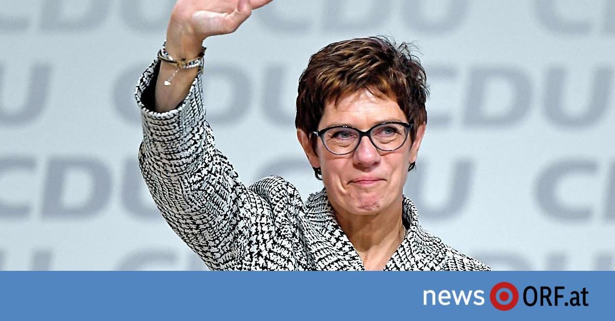 Neue CDU-Chefin: Kramp-Karrenbauer löst Merkel ab