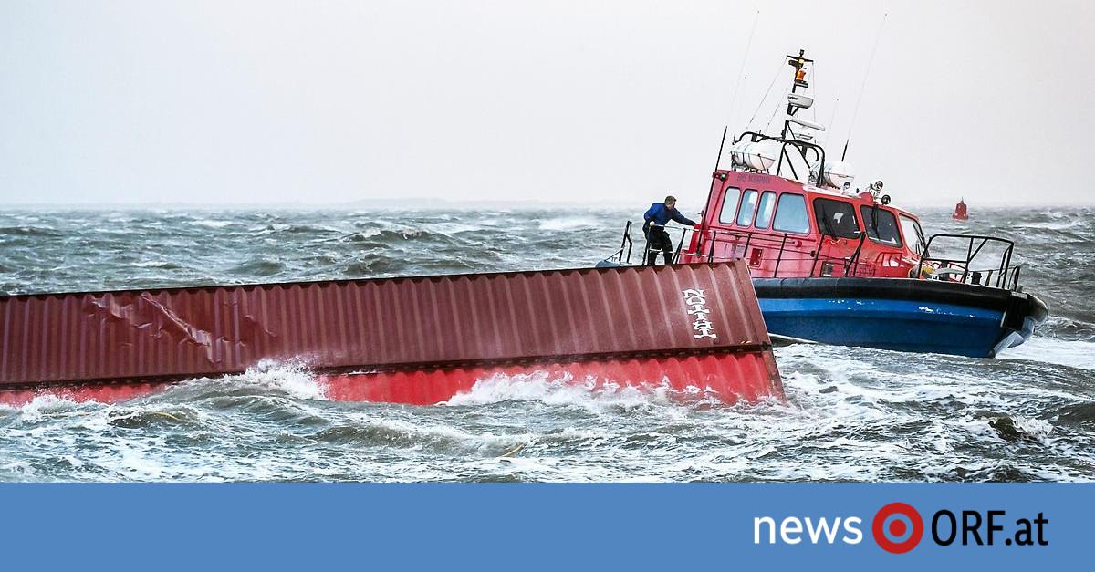Hunderte Container Schwierige – Bergung vom Meeresgrund