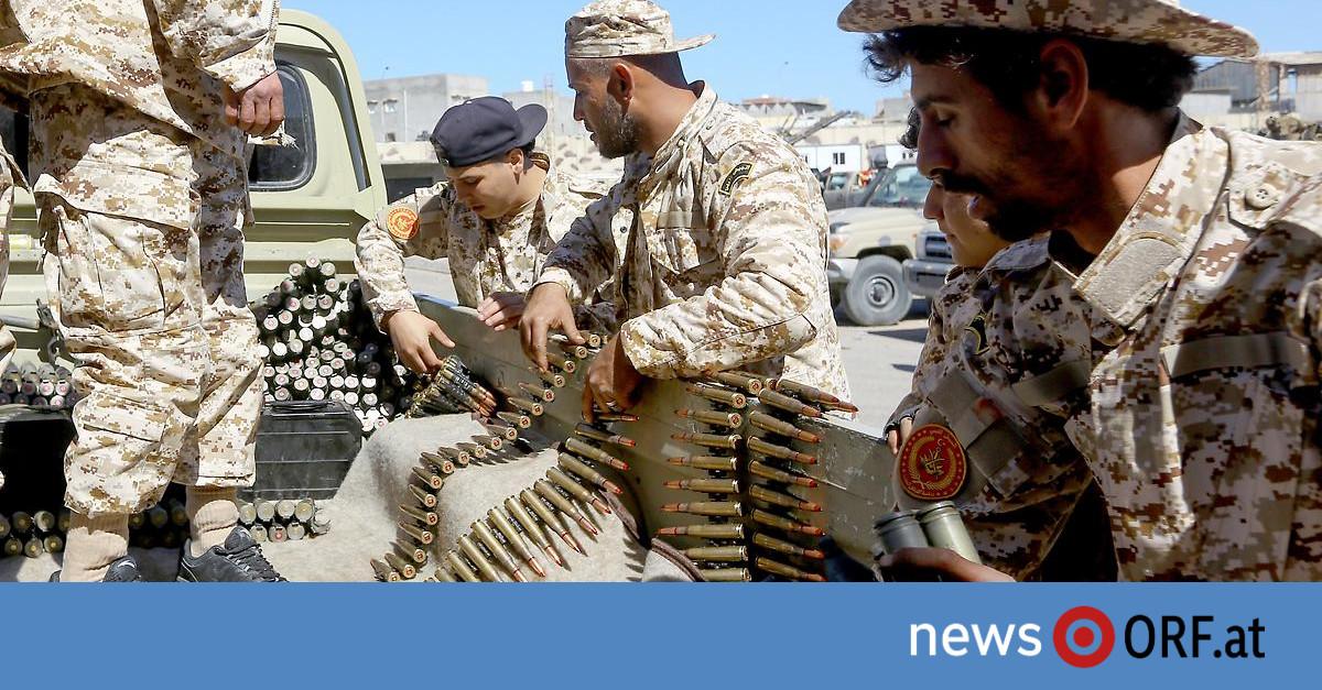 Kämpfe in Libyen: Erste Bewohner flüchten aus Tripolis