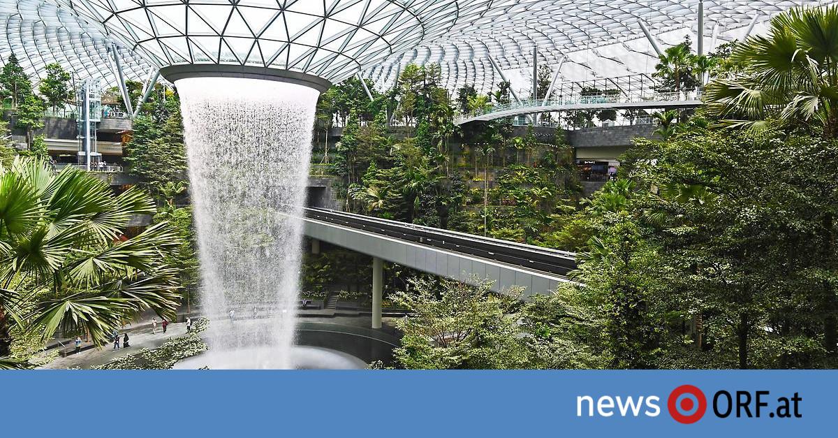 Wasserfall inklusive: Singapurs Flughafensensation eröffnet