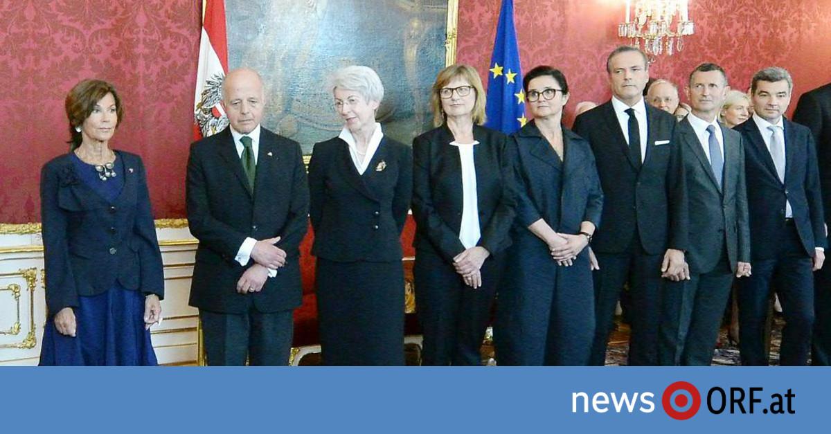 Übergangsregierung: Warten auf Pläne der neuen Ministerriege