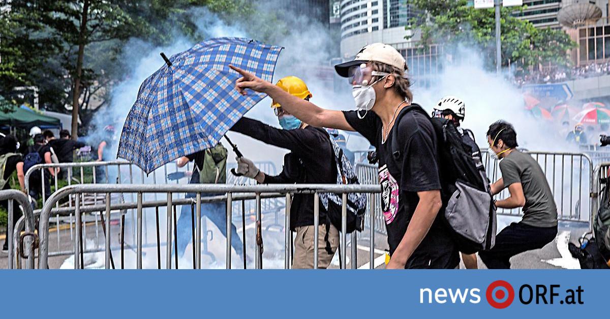 Hongkong: Tränengas gegen Demonstranten