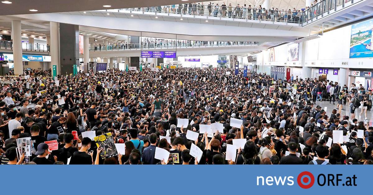 Alle Flüge gestrichen: Proteste legen Hongkongs Flughafen lahm