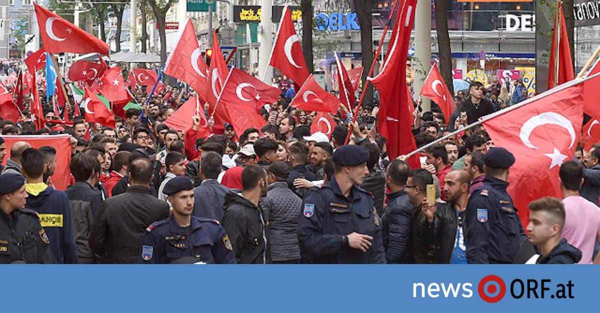 Demo Wien Photo: Anhaltende Kritik Von Heimischer Politik