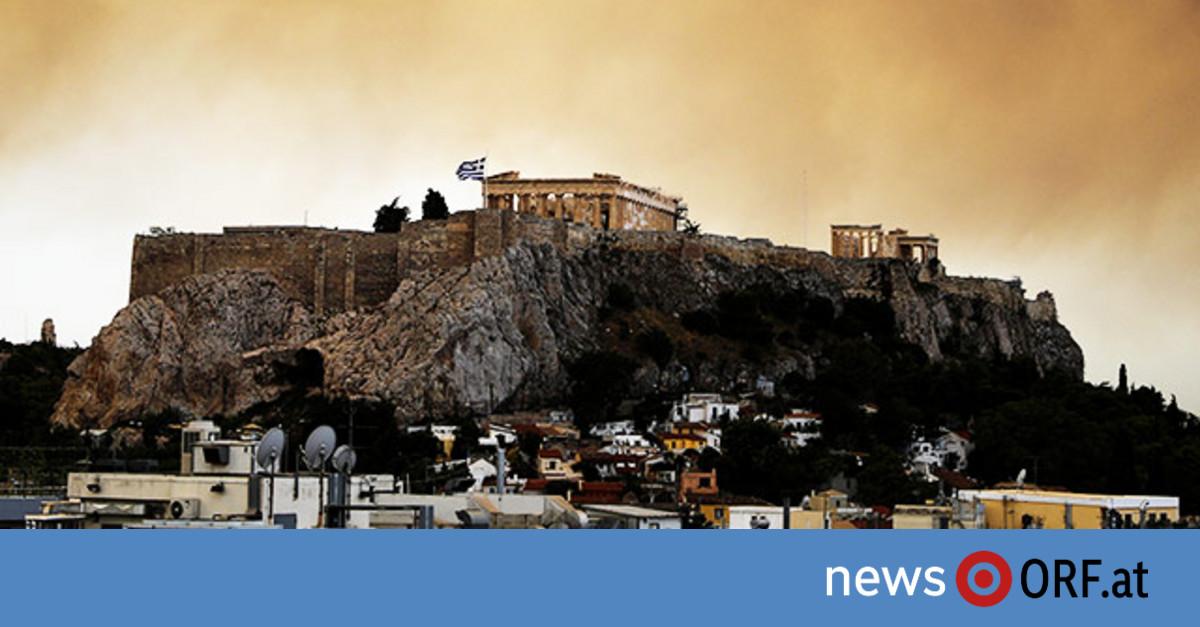 Großbrand nahe Athen außer Kontrolle