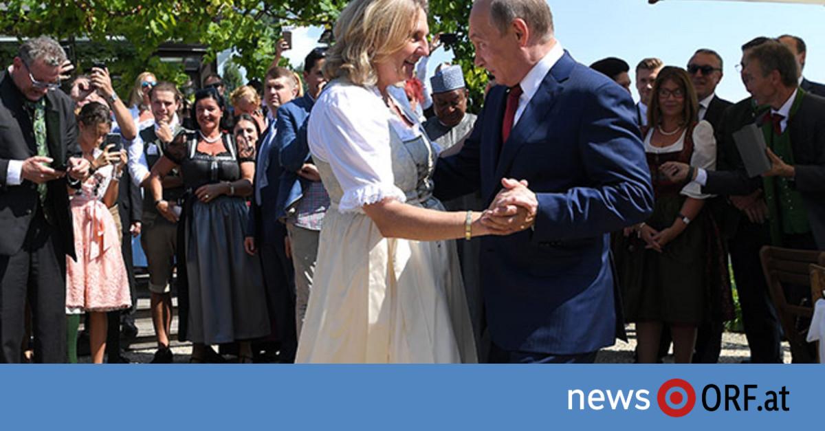 Putins Blitzbesuch bei Kneissl-Hochzeit